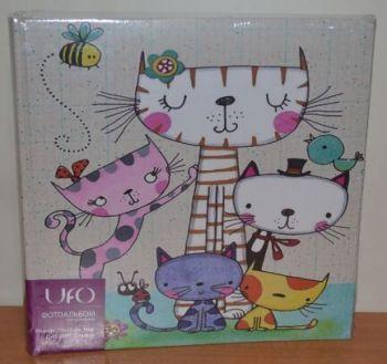 Фотоальбом на 200 фото 10х15 с местом для записей UFO Cat family